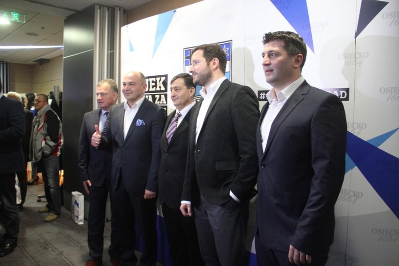 Svečanom ceremonijom izvršena je primopredaja vlasništva NK Osijek