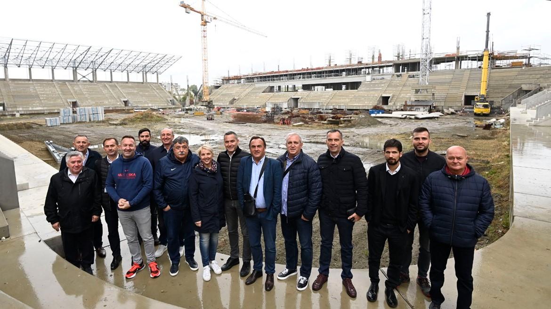 Delegacija HNS-a obišla gradilište novog stadiona